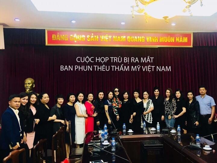 2 2023 - Ban Phun Thêu Thẩm Mỹ Việt Nam Ra Đời - Cơ Hội Vàng Cho Tài Năng Trẻ