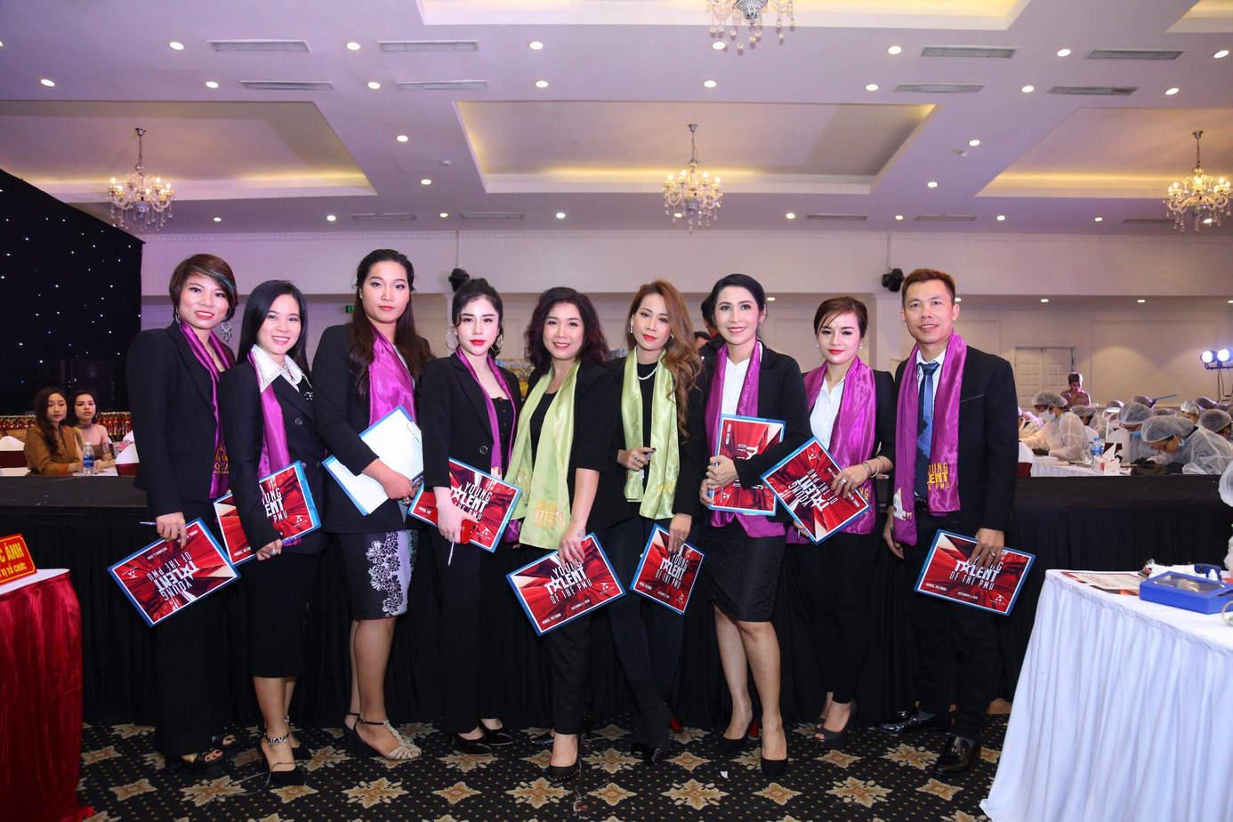 miss tram tham gia giam khao cac cuoc thi phun xam han quoc - Master Đồng Bảo Trâm và Hành Trình 15 Năm Gieo Cái Đẹp