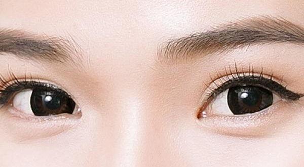 Học Cách Phun Mí Mắt Ombre: Kiểu Mí Dày Hoặc Tự Nhiên 1