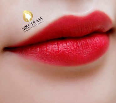 How to Deal with Lips Mist Spray: Damaged, Intensive, Dry, Colorless 1