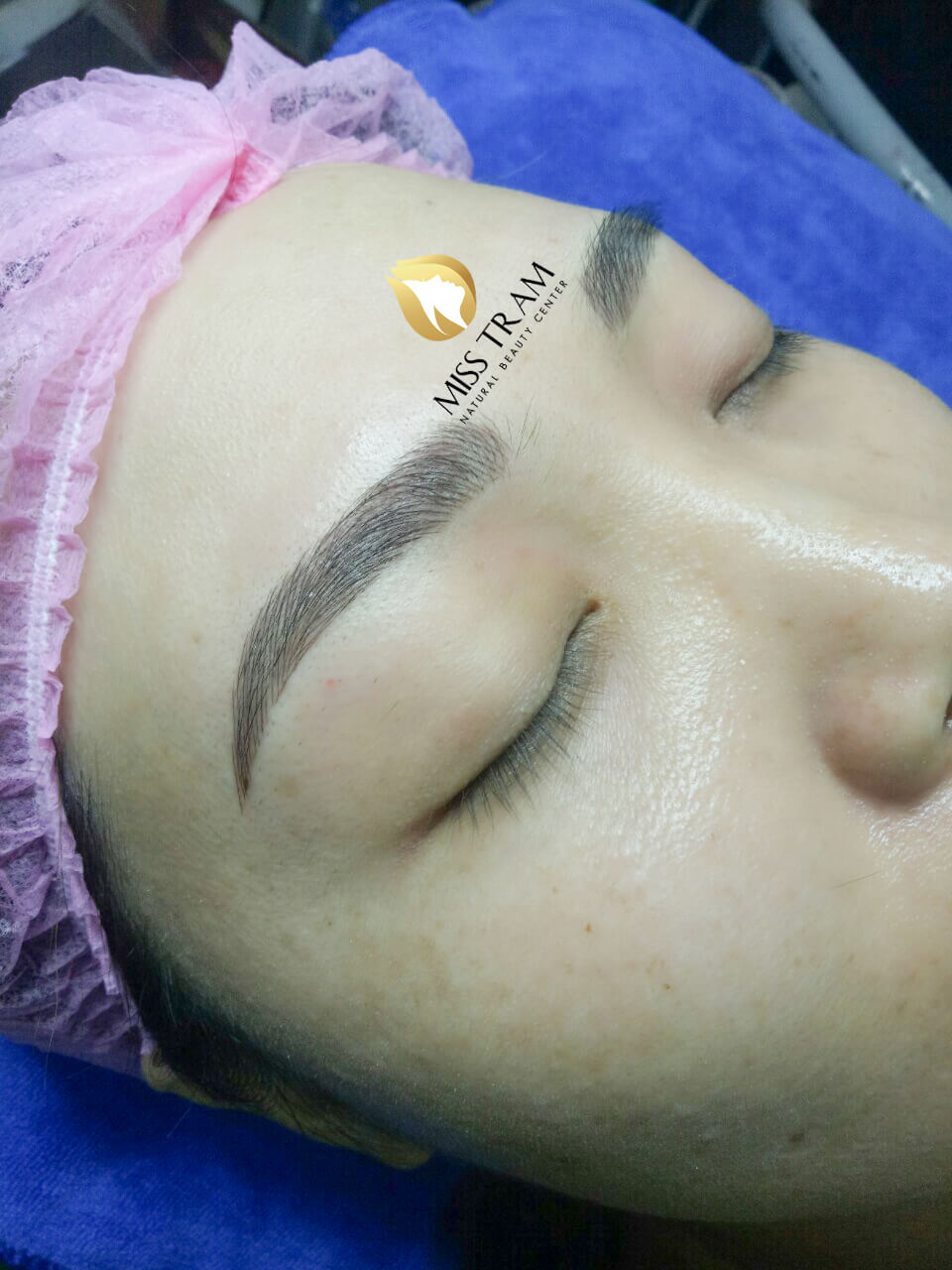 Results Before and After Sculpting Eyebrows with 9D Yarns for Women 3
