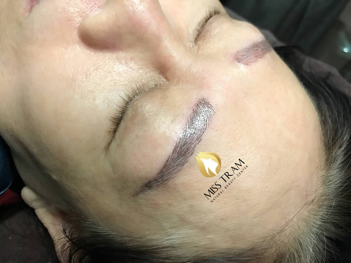 Repairing Damaged Eyebrows with Sculpting 9D Thread 3