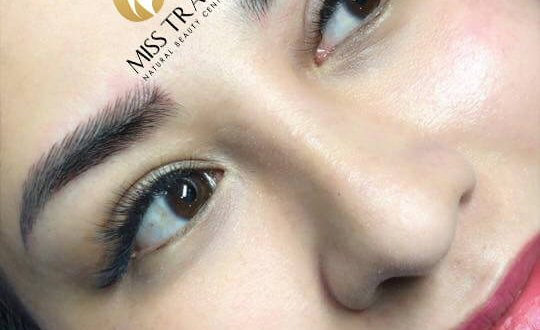Before and After Sculpting Eyebrows with 9D Fibers for Women 1