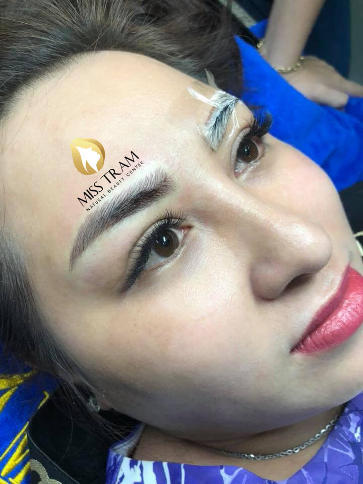 Before and After Sculpting Eyebrows with 9D Fibers for Women 3