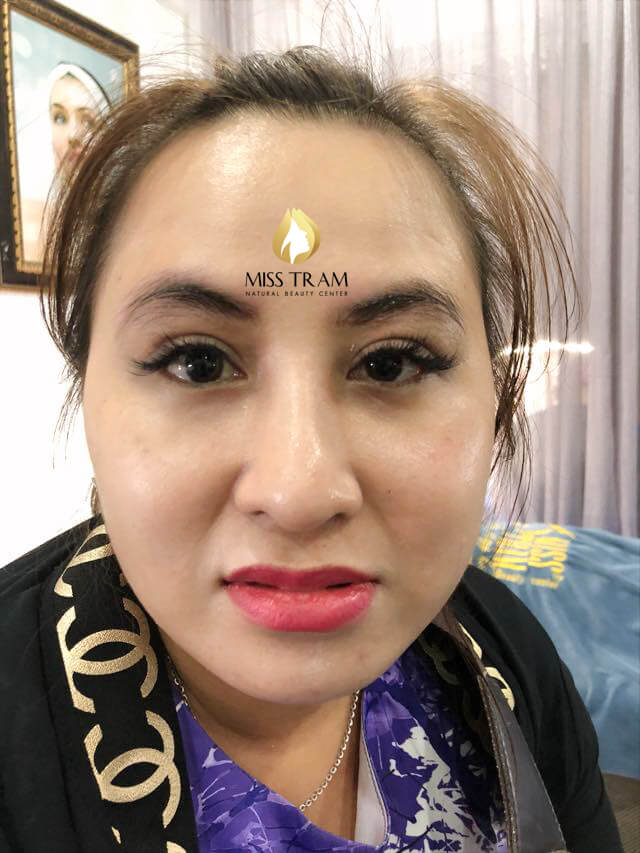 Before and After Sculpting Eyebrows with 9D Fibers for Women 2