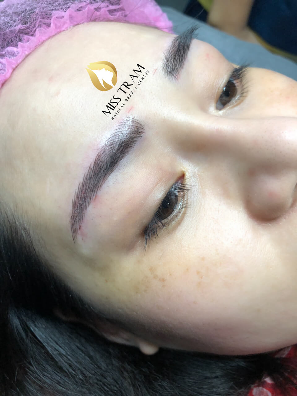 spraying eyebrow skin color difficult to eat