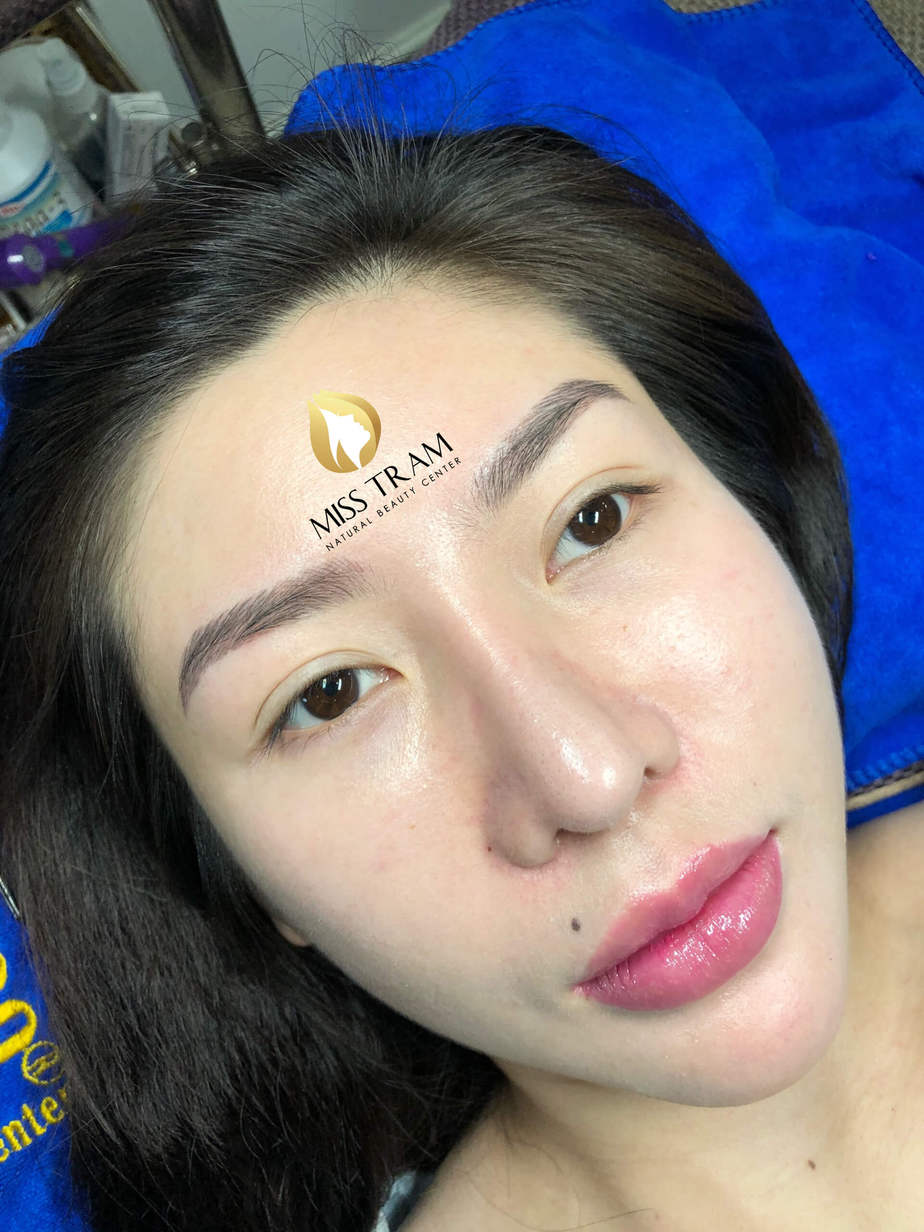 Before And After Performing Sculpting Eyebrows 9D For Female 2