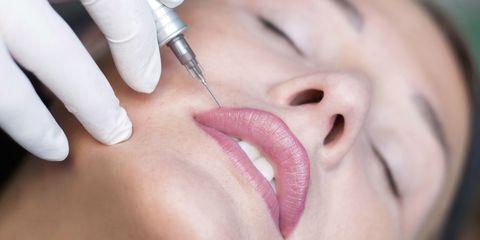 giảm đau cho khách khi phun môi