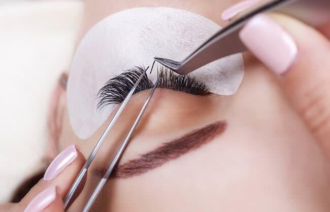 Eyelash extensions for glittering eyes 3