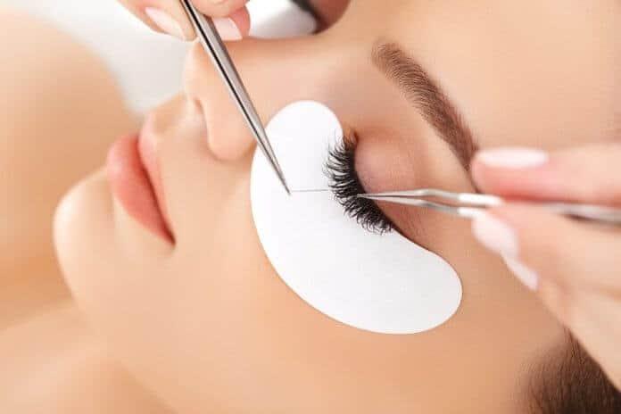 Eyelash extensions for glittering eyes 4