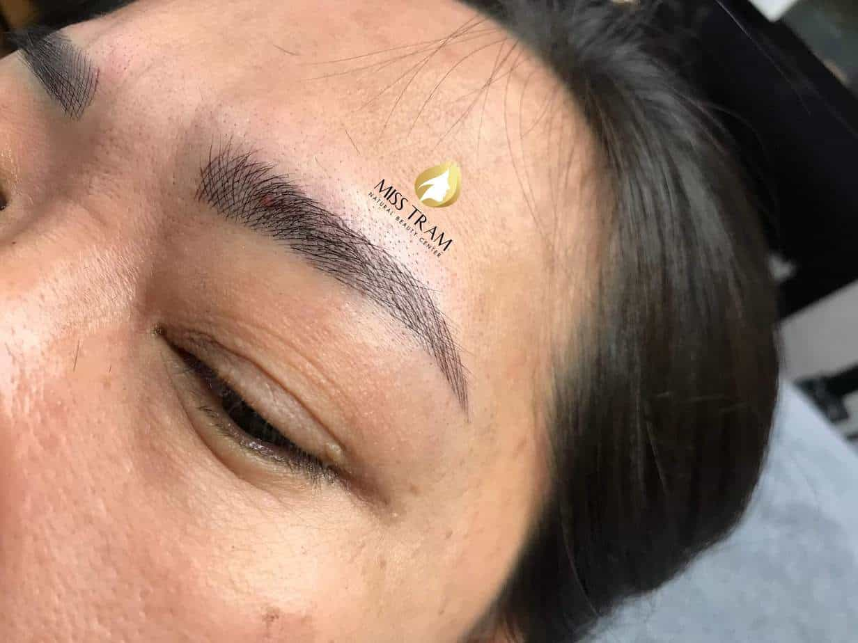 Before and After Sculpting Eyebrows with Natural Fibers 3