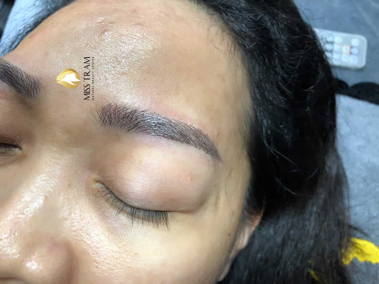 Before And After Results Of Sculpting Natural Eyebrow For Female Guests 4