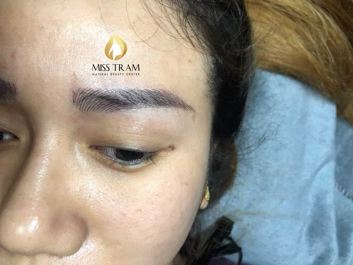 Before and After The Treatment of Red Eyebrows And Sculpting Queen 9D 3