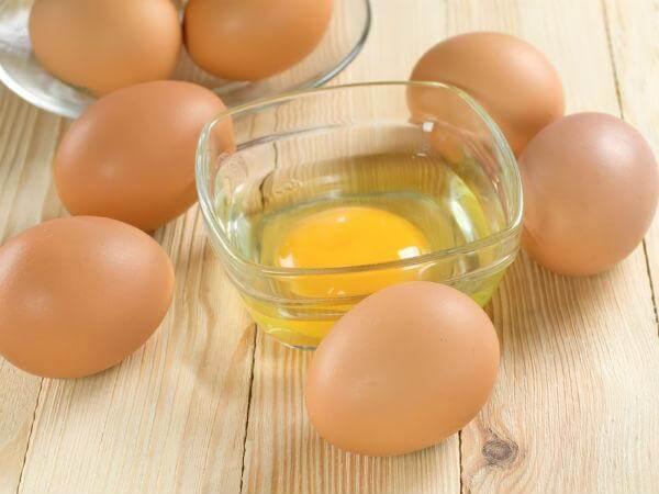 công dụng của mặt nạ lòng đỏ trứng gà