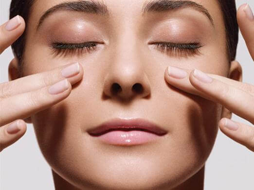 The Right Facial Massage Method for Youthful Skin 6