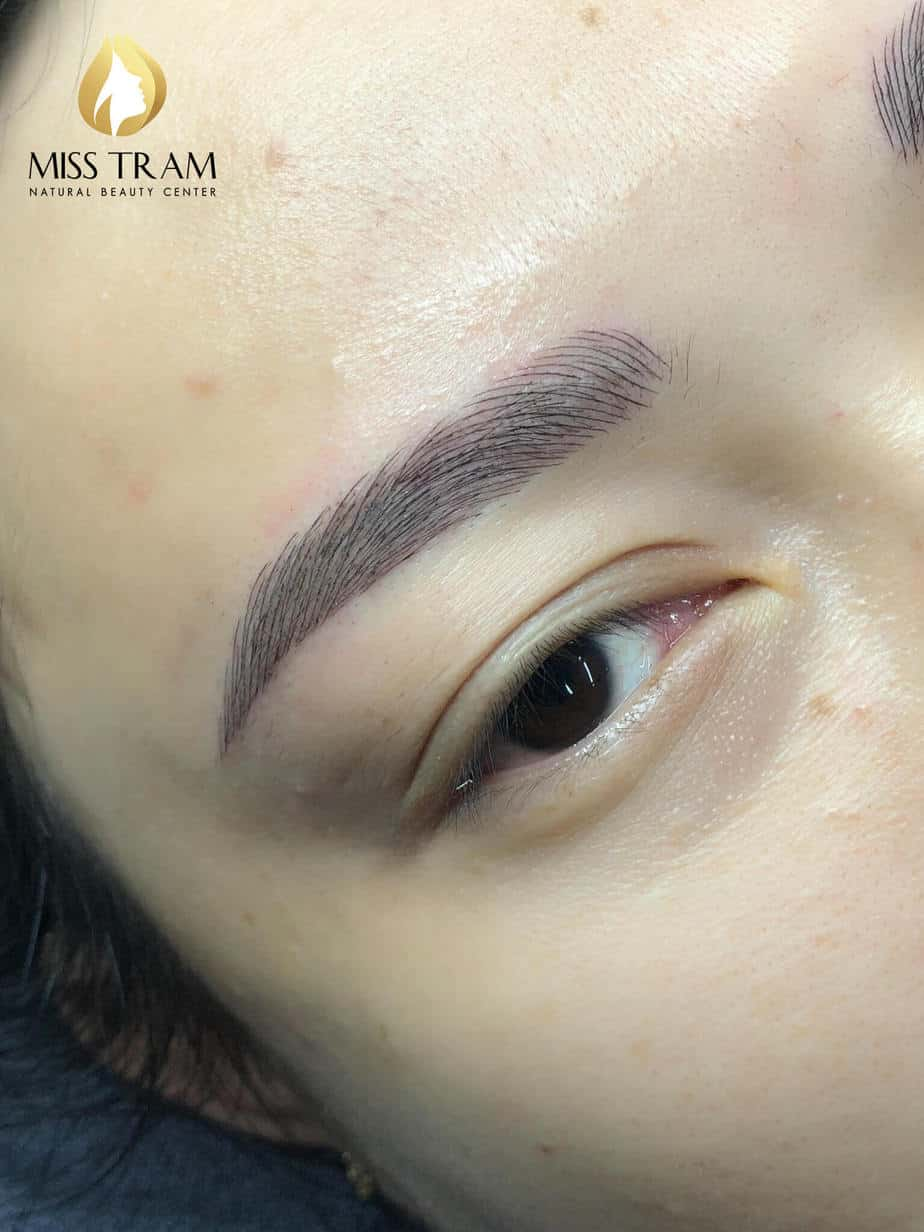 Before And After Treating And Sculpting Eyebrows Queen 7