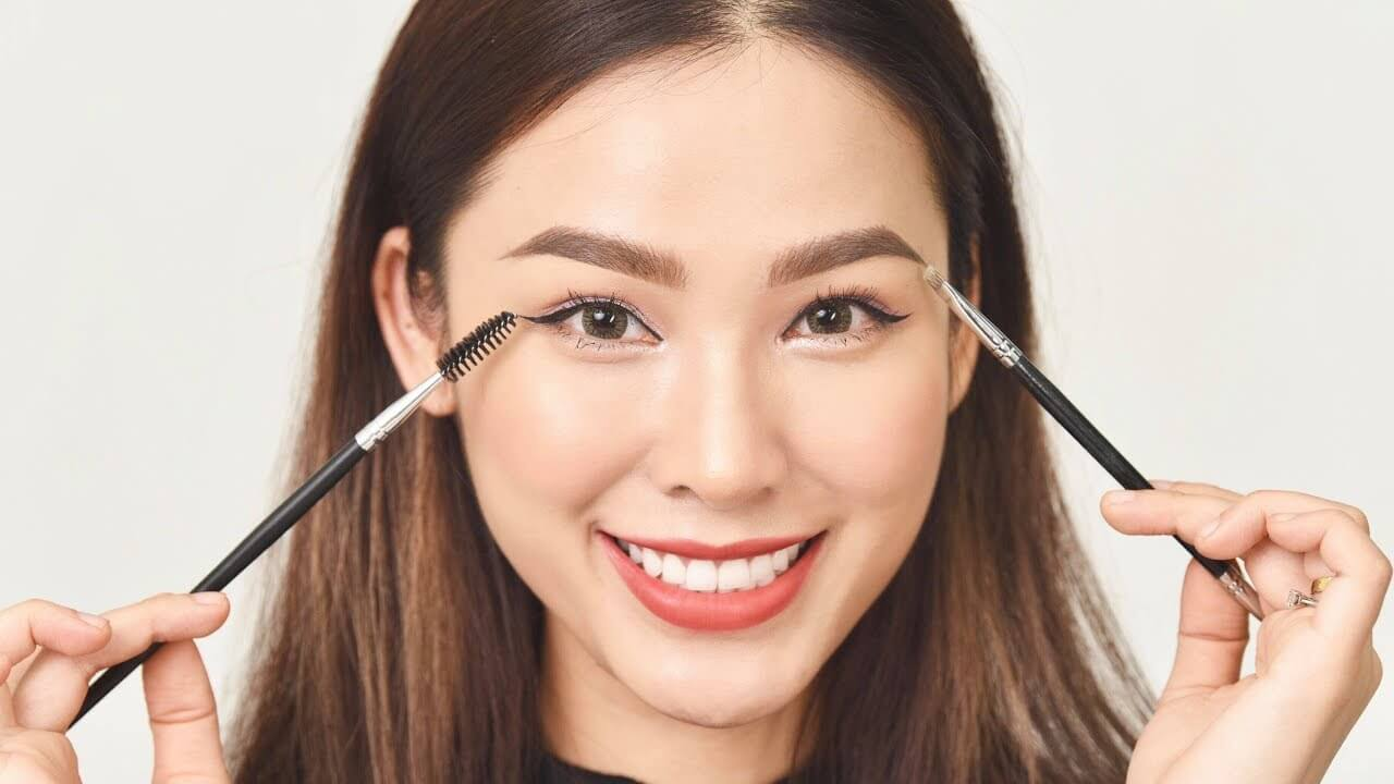 Thai Style Eyebrows: New Makeup Trends 5