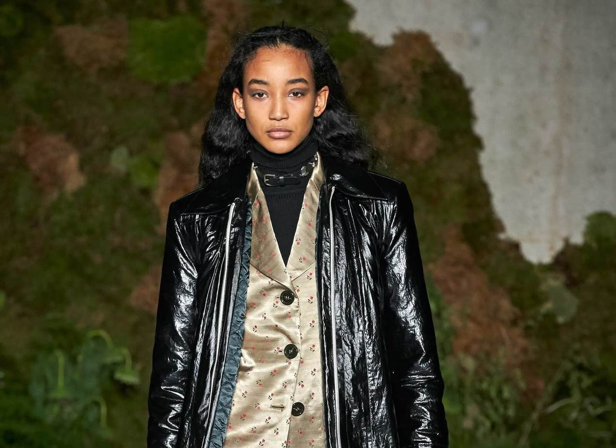 Catching New Makeup Trends in Fall-Winter Fashion Week 11
