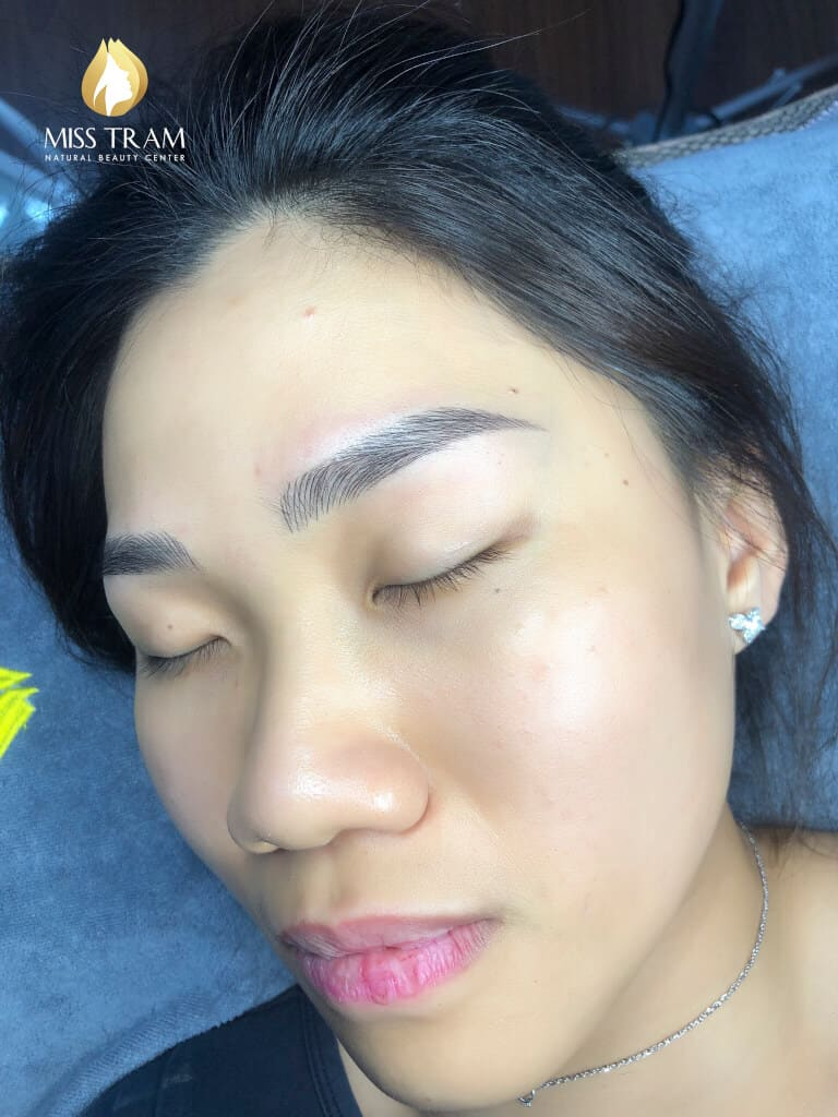 Before And After Sculpting Eyebrows With Beautiful Natural Fibers 3