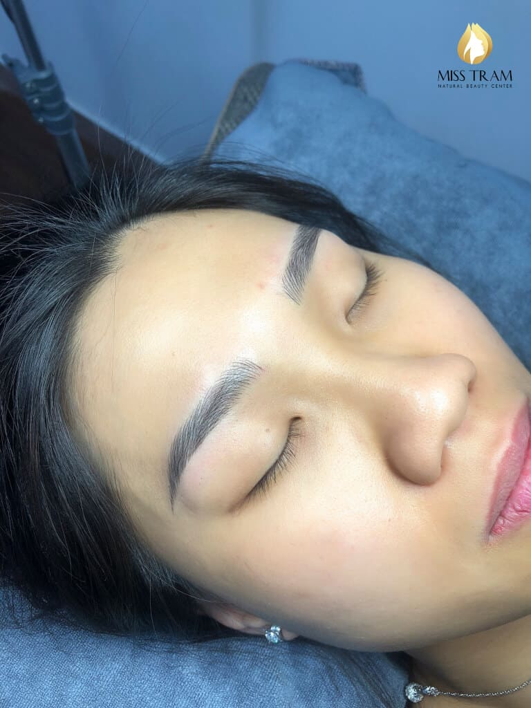 Before And After Sculpting Eyebrows With Beautiful Natural Fibers 4
