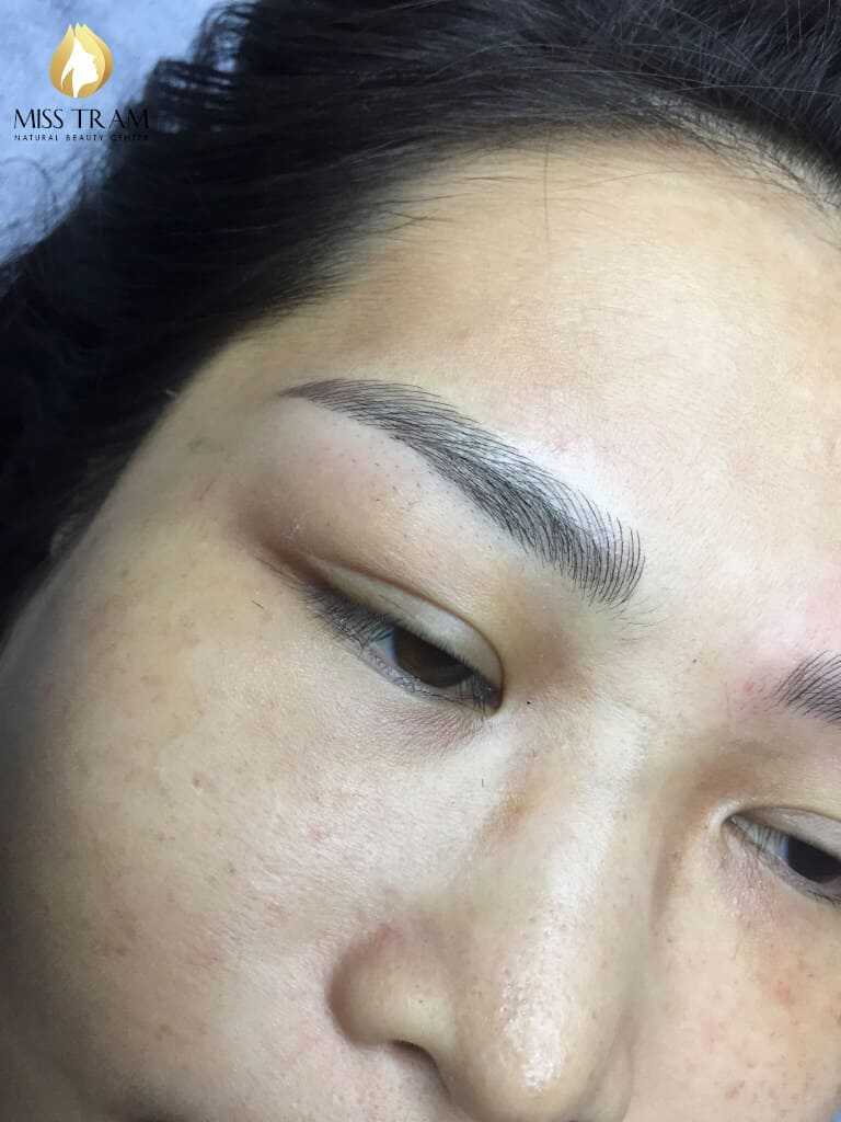 Before And After Shaping And Sculpting Natural Eyebrows 4