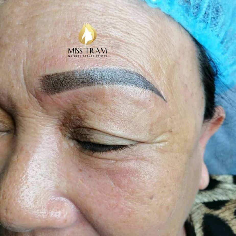 Result of Ombre Blending Eyebrow Powder Combined by Students 4