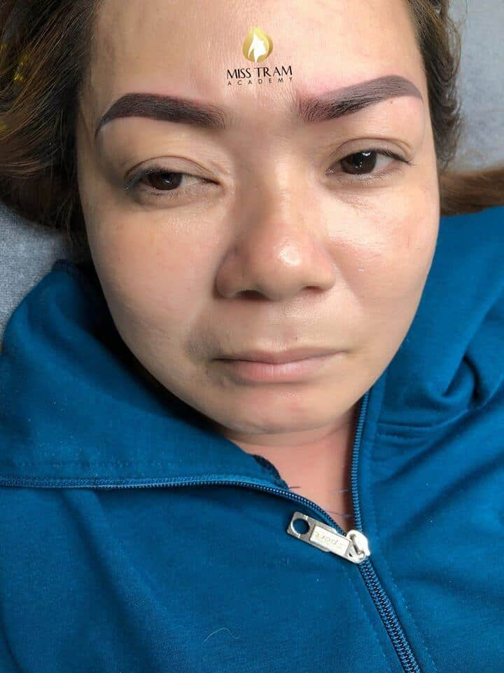 Photo of Results of Ultra-Fine Powder Eyebrow Spray by Students 3