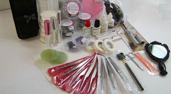 Storing Proper Eyelash Connector 1