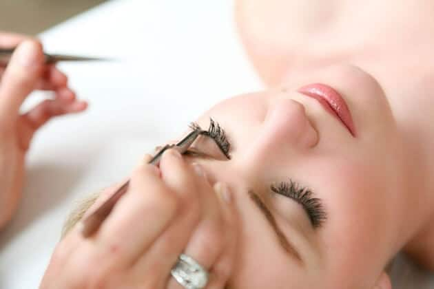 Experience opening eyelash extensions shop