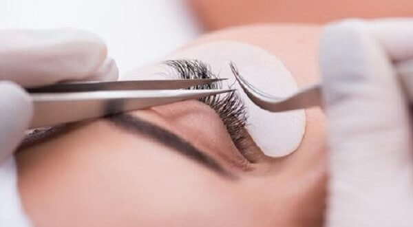 How To Reduce The Faulty Eyelash Conditioner 1
