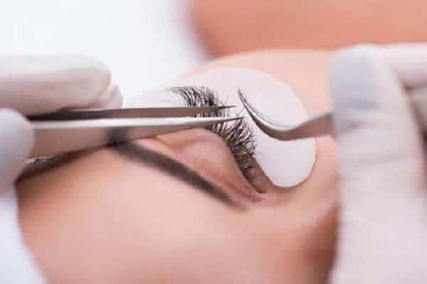 How To Limit The Lose Eyelash Extensions 3
