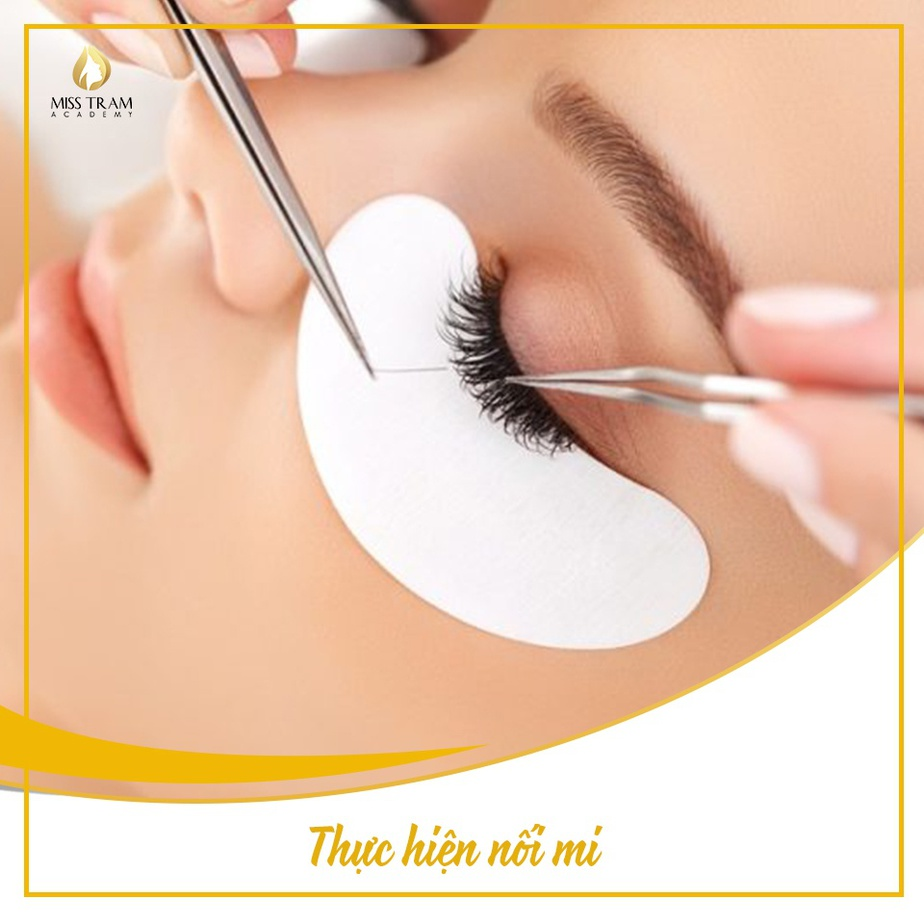 Is eyelash extensions difficult?